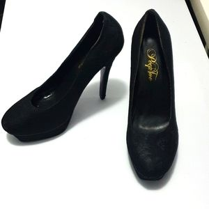 EU 40 PeepToe brand. NEW black lace pumps/ heels